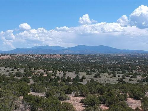 Los Cuervos Ranch : Galisteo : Santa Fe County : New Mexico