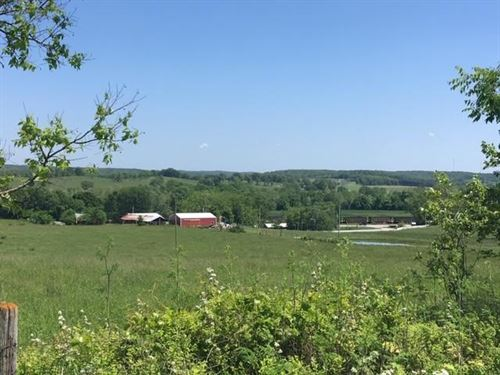 Beautiful Hilltop Haven, 41 Acres : Cabool : Texas County : Missouri