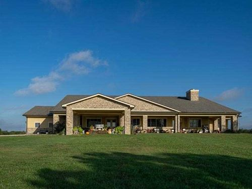 40 Acres With Amazing Home : Independence : Montgomery County : Kansas