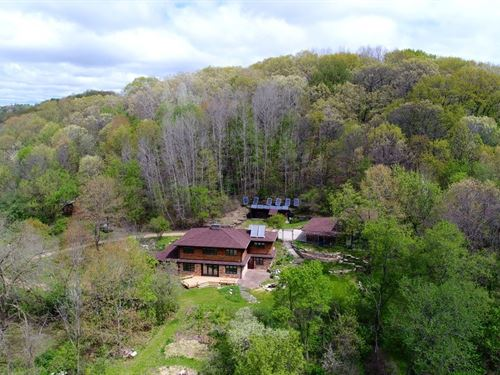 Incredible Off The Grid Property : Hillpoint : Sauk County : Wisconsin
