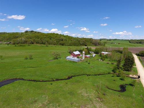 Country Home/Hobby Farm SW : Elroy : Monroe County : Wisconsin