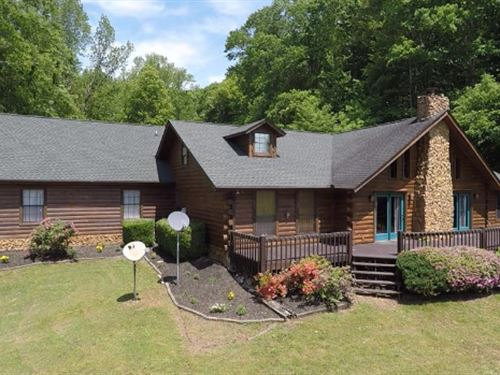 Beautiful Lodge Home On 12 Acres : Stewart : Tennessee