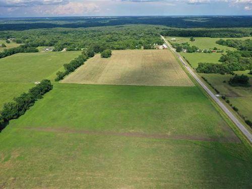 Premiere 189 Acre Cattle Farm in : Warsaw : Benton County : Missouri