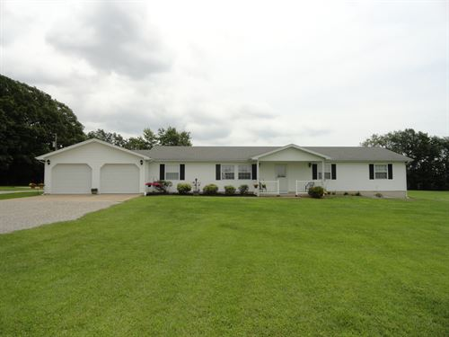 Home And Outbuilding On 49.63 Acres : Conway : Webster County : Missouri