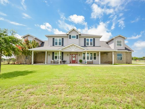 Gorgeous Home On 16.5 Acres : Moody : Bell County : Texas