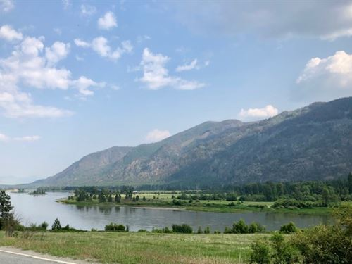 Ranch With Log Home And River Front : Plains : Sanders County : Montana