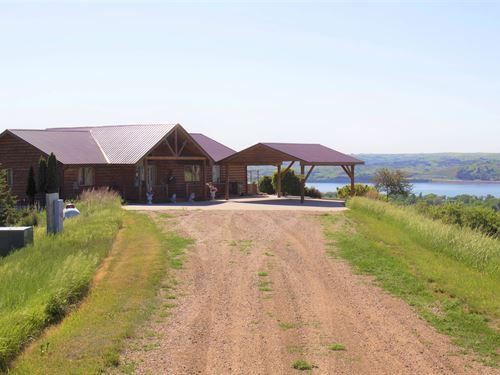 Daybreak Ridge : Chamberlain : Brule County : South Dakota