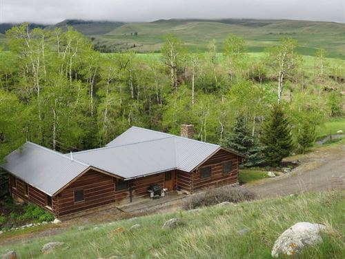 Creekside Ranch And Home : Big Timber : Sweet Grass County : Montana