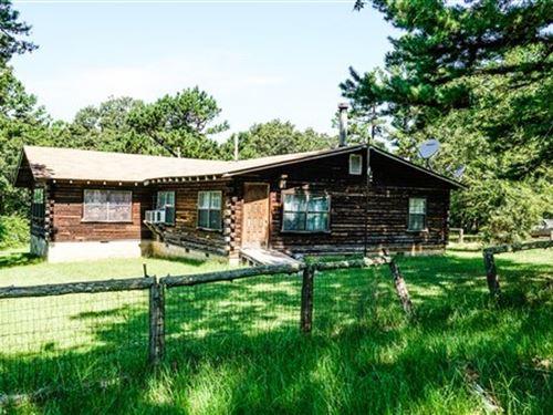 Log Home 40 Acres Bounding National : Heavener : Le Flore County : Oklahoma