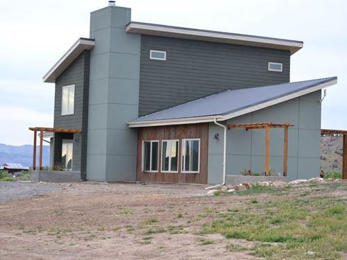 Green Built Home, Boarders Public : Mesa : Colorado