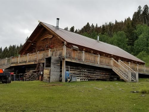 Fantastic 3 Bed / 2 Bath Log Cabin : Gunnison : Colorado
