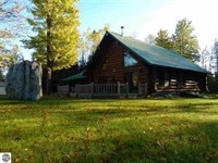Megga Acreage And Full Log Home : Breen : Dickinson County : Michigan