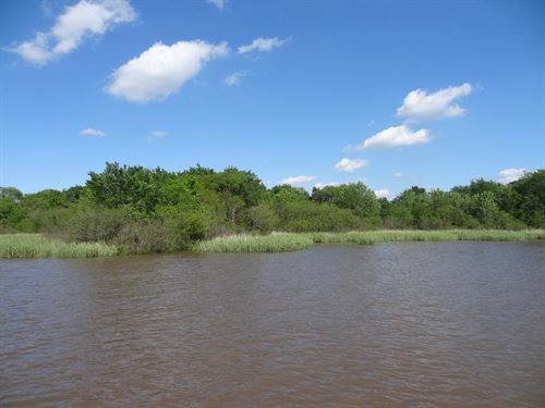18 Acres In Tx With Lake Access : Eustace : Henderson County : Texas