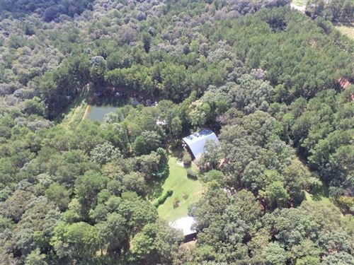 Spacious Hunting Lodge and Acreage : Ariton : Dale County : Alabama