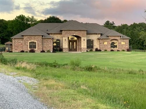 Luxury Custom Built Home 42 Acres : Wilburton : Latimer County : Oklahoma