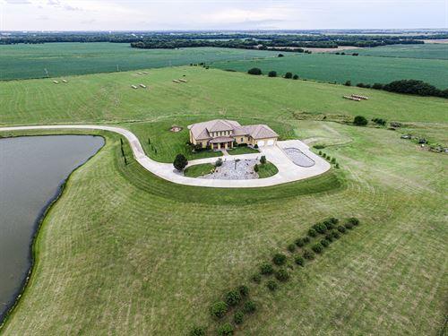Luxurious Country Living : Salina : Saline County : Kansas