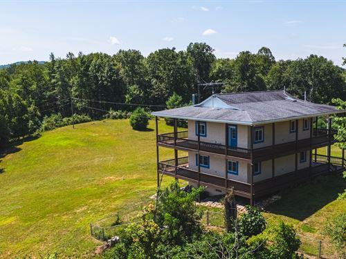 Beautiful Country Home Mountain : Willis : Floyd County : Virginia