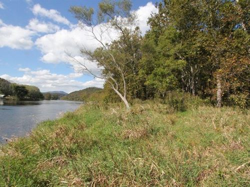 Secluded New River Frontage : Independence : Grayson County : Virginia