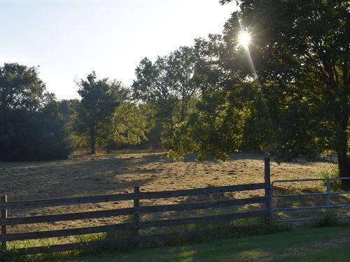 Home With Acreage : Loganville : Walton County : Georgia