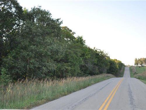 Deer Hunter's Paradise, 22 ac : Cowgill : Caldwell County : Missouri