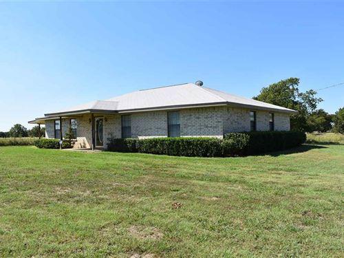 Land With Home / Shop : Honey Grove : Lamar County : Texas