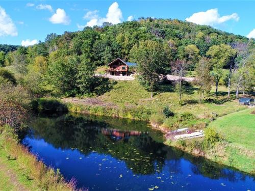 Log Home Trophy Whitetail Hunting : Ontario : Vernon County : Wisconsin