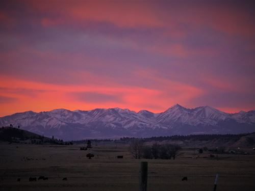 Gorgeous Montana Ranch : Big Timber : Sweet Grass County : Montana
