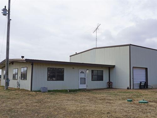 Country Barn/Home Arena Agra : Agra : Lincoln County : Oklahoma