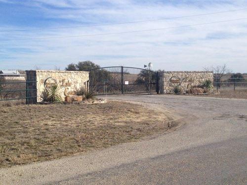 12 Acre Lot Access To Private Lake : Comanche : Texas