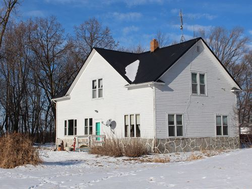 4Br/1 1/2Ba Farm 120 Acres Milaca : Milaca : Mille Lacs County : Minnesota