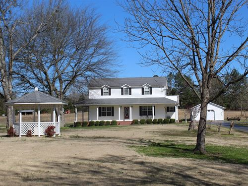 Country Home / Mini Farm Tn, No : Savannah : Hardin County : Tennessee