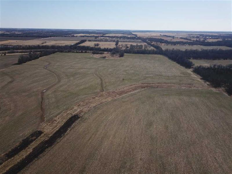 156 Acres Tillable-Pasture-Creek : Angola : Labette County : Kansas