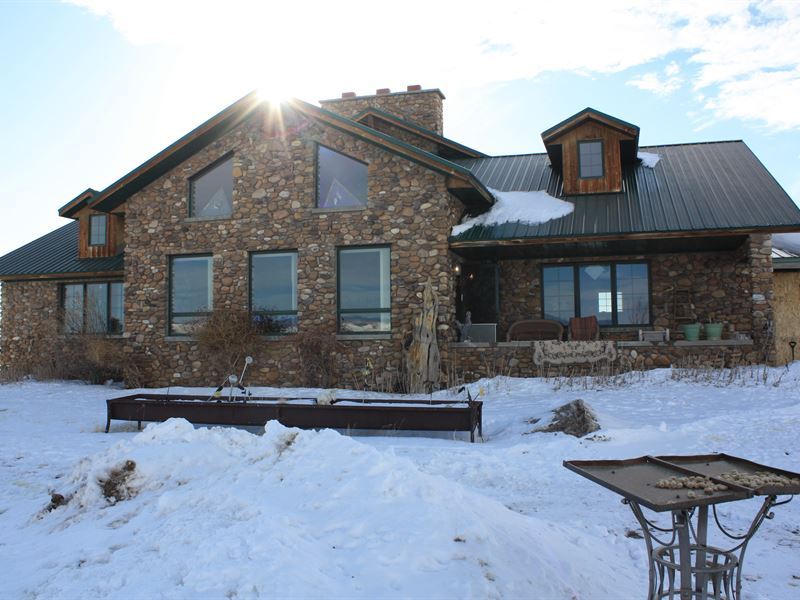 Custom Built Home on 40 Acres : Saratoga : Carbon County : Wyoming