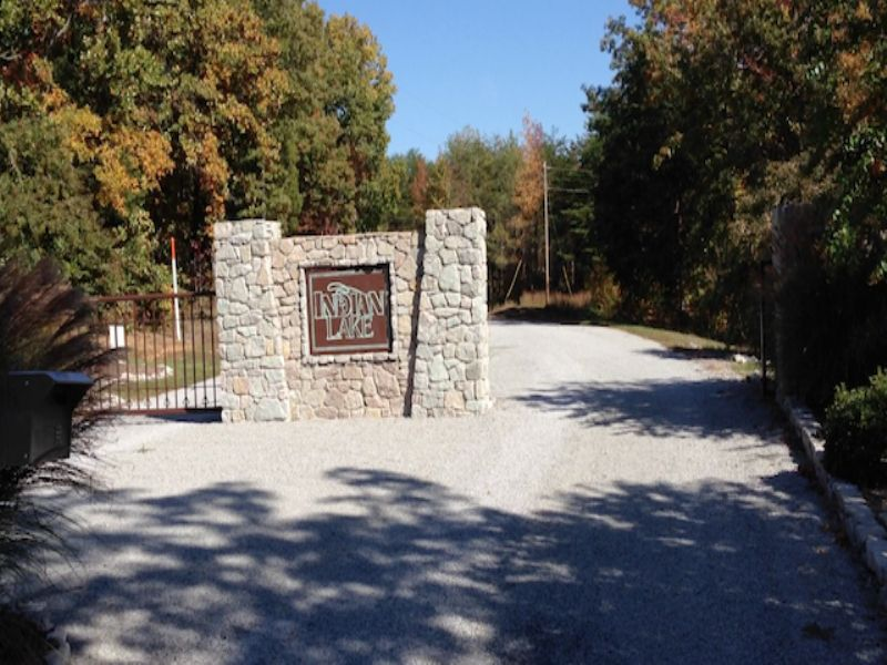 11.1 Acres In Indian Lake : Cedar Grove : Carroll County : Tennessee