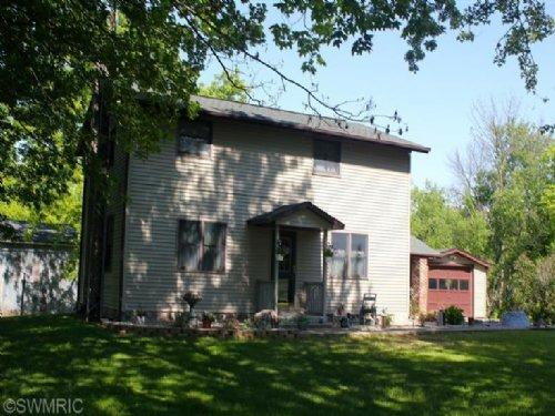 Picturesque Farm : Marcellus : Saint Joseph County : Michigan