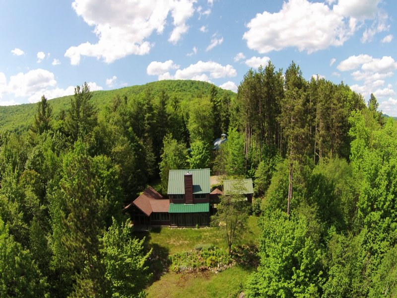 Hidden Ridge Lodge : Stony Creek : Warren County : New York