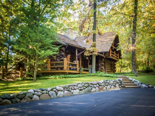 Magnificent Log Lodge On 270 Acres : Augusta : Kalamazoo County : Michigan