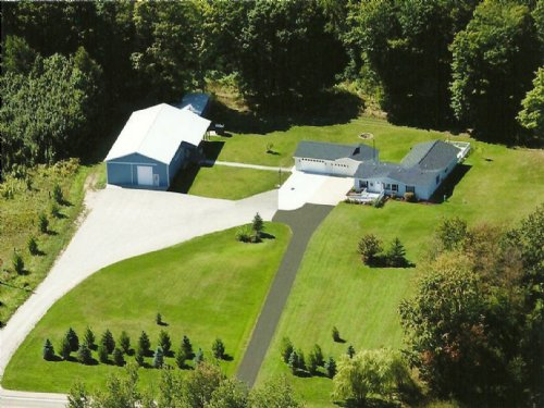 Spotless Home On 16.12 Acres : Johannesburg : Otsego County : Michigan