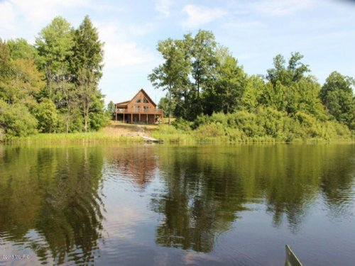 Log Cabin On 270 Acres : White Cloud : Newaygo County : Michigan
